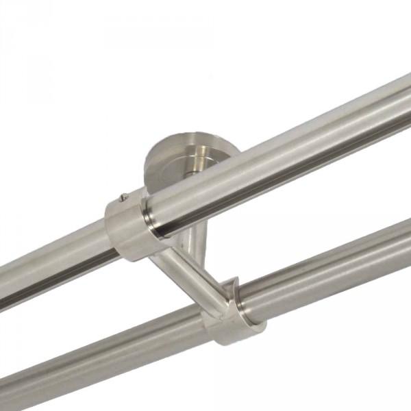Zweiläufiger Deckenträger für 20 mm Rohre.